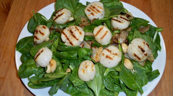 Spinach Salad w/ Grilled Scallops, Roasted Garlic and Glazed Onion